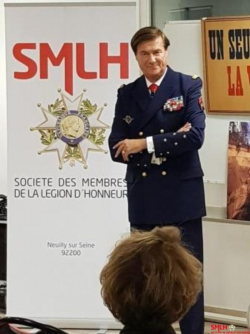 le VAE Giraud lors de son exposé à la Maison des Associations de Neuilly Sur Seine